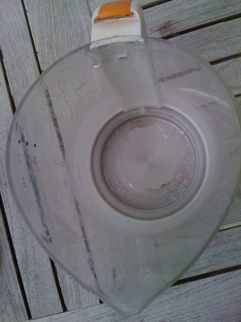 bouilloire utilisée à St Pierre et ayant du calcaire