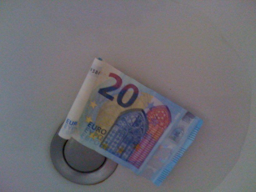 20 euros sur l'eau